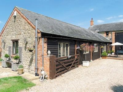 The Granary Barn, Northamptonshire, Wood Burcote
