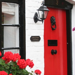 <strong>Bray Cottages </strong> Bray on Thames is the perfect location to go on walkies