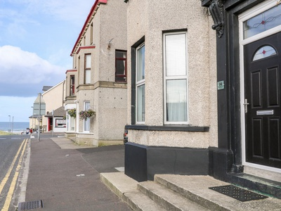 Beachside and Golf Apartment, Derry, Coleraine
