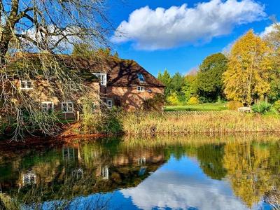 Moorhen Cottage, Kent, Maidstone