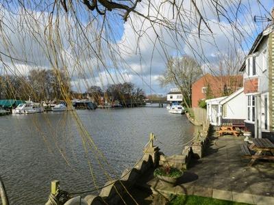 Riverside House, Suffolk, Beccles