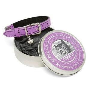 The Cheshire & Wain leather cat collars are unqiue and luxurious. Made from top-quality materials, they're the perfect fit for the pampered feline in your life.