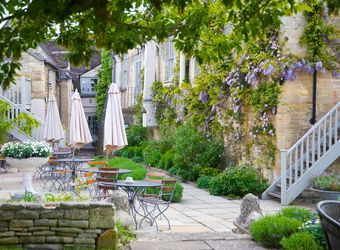 The Lion Inn, Cotswolds