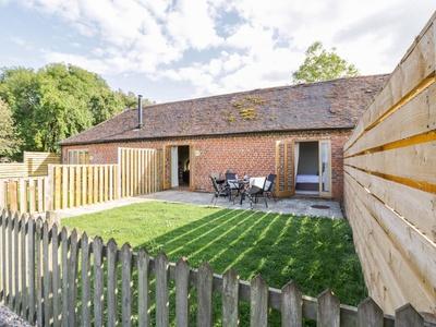 Pear Tree Cottage, Warwickshire, Evesham