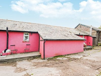 Cowshed Cottage, Monmouthshire, Llantilio Pertholey