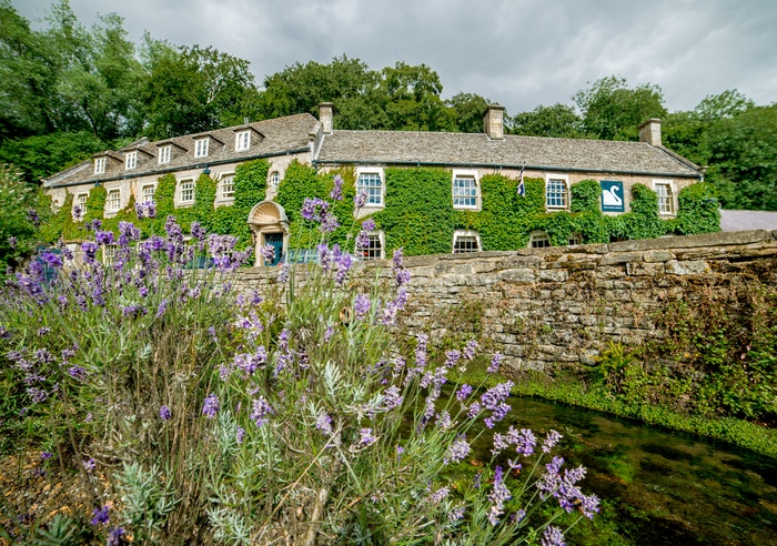 The Swan Hotel, Gloucestershire 1