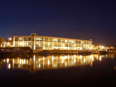 Captain's Club Hotel & Spa, Dorset, Christchurch