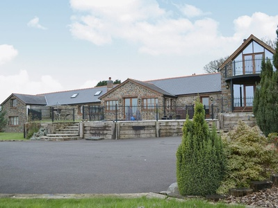 Ty Cerrig Farmhouse, Carmarthenshire, Saint Clears