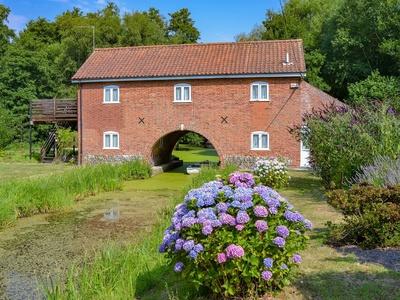 The Wherry Arch, Norfolk