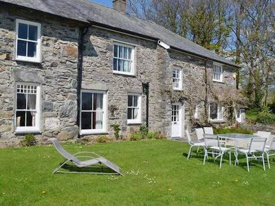 Ty Mawr, Gwynedd, Pentrefelin