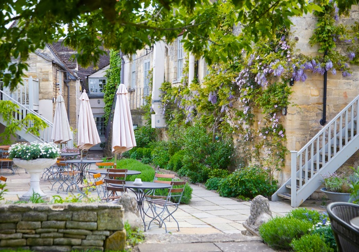 The Lion Inn, Cotswolds 1