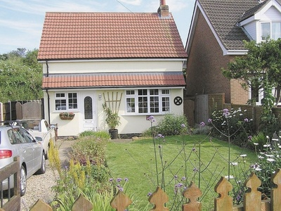 Seaside Cottage, Lincolnshire, Chapel Saint Leonards