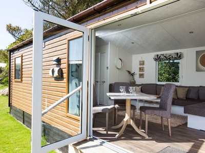 The Park Cornwall - 3 bedroom Park Cabin, Cornwall, Mawgan Porth