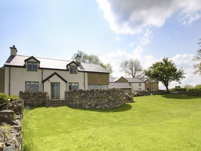 Dolwaenydd, Isle of Anglesey, Brynsiencyn