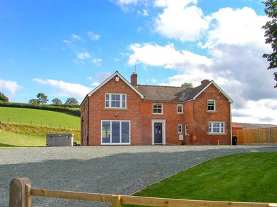 Red House Farm, Powys, Llanfair Caereinion