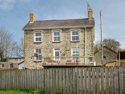 The Farmhouse, Ceredigion, Llandysul