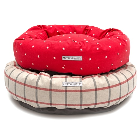 Cranberry Star Cotton Donut Bed 6