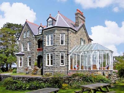 Pensarn Hall, Gwynedd, Llanbedr
