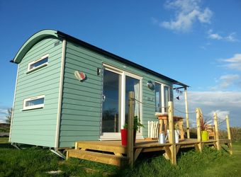 Rhossili Scamper Holidays - Super Grand Shepherd Hut, Swansea