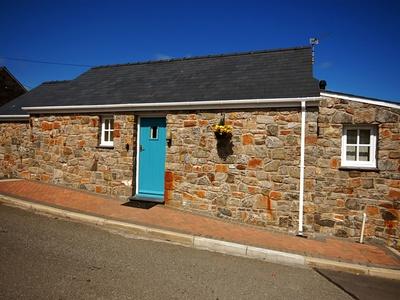 Tyn Towyn - Bwthyn Haf, Isle of Anglesey, Trearddur Bay