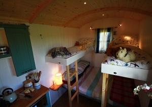 Rhossili Scamper Holidays - Classic Shepherd Hut, Swansea 3