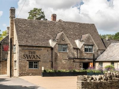 The Swan Ascott-under-Wychwood, Oxfordshire, Chipping Norton