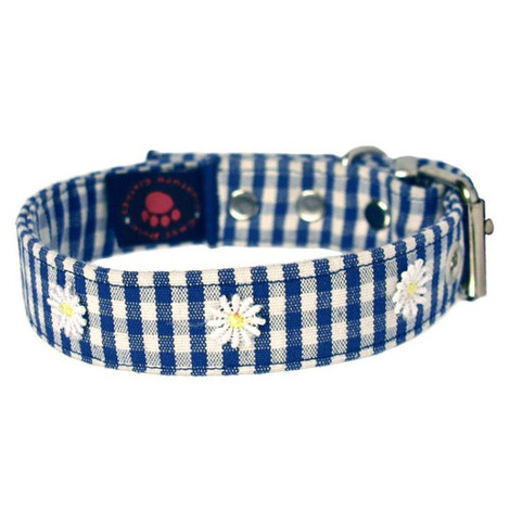 Gingham Collar with Daisies