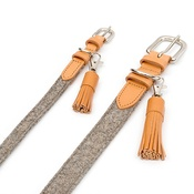 Mutts & Hounds - Camello Leather Tassel Clip