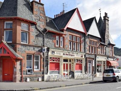 Trossachs Gate, Stirling, Main St