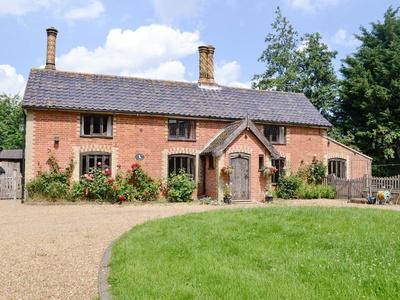 Meadow Cottage, Suffolk, Halesworth