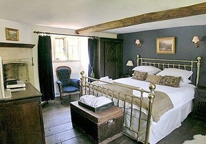 Foxes Manor, Gloucestershire 4