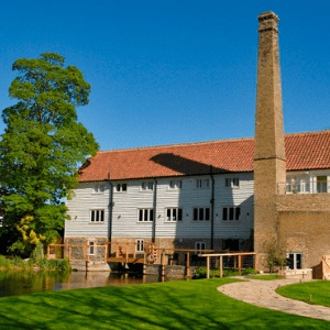 <strong>Tuddenham Mill, Suffolk </strong> A super stylish and beautiful 17c converted water mill set in 12 acres of land for your dog to play.