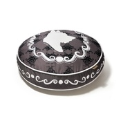 In Vogue Pets - Cameo Round Dog Bed