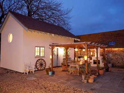 Blue Door Barns - The Lodge, East Sussex
