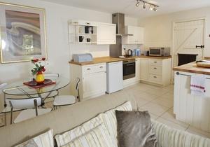 Kingsbere Cottage - Greenwood Grange, Dorset 2