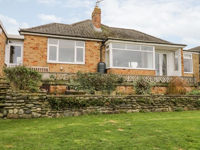 8 Mere View Avenue, East Riding of Yorkshire, Hornsea