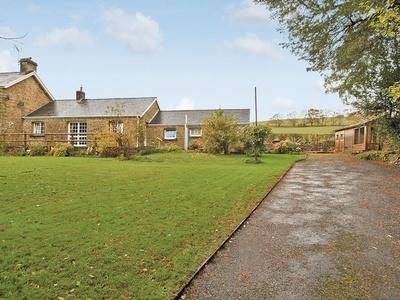 Ty Maen Cottage, Bridgend, Llangynwyd
