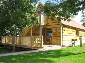 Ash Lodge