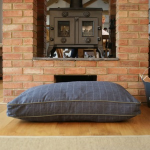 Luxury Tweed Dog Bed – Marine