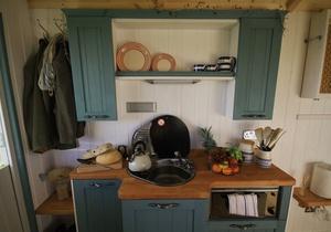 Rhossili Scamper Holidays - Classic Shepherd Hut, Swansea 2