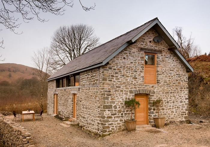 Red Kite Barn, Wales 1