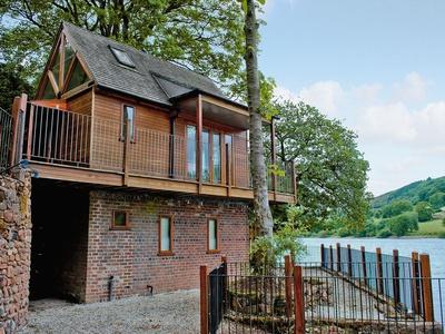 Inglenook Boathouse, Staffordshire, Rudyard