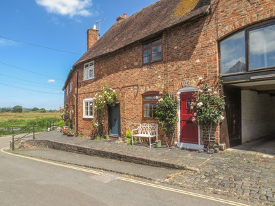 River Cottage, Gloucestershire, Tewkesbury