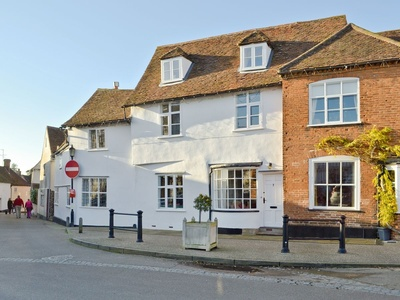 Red Lion Corner, Suffolk, Market Pl