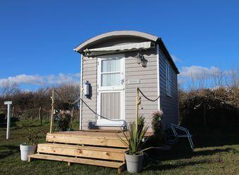 Llangennith Scamper Holidays - Classic Shepherd Hut, Swansea