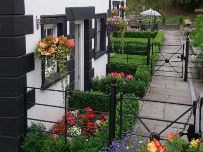 Sherrifs Lodge, Carmarthenshire, Llangadog