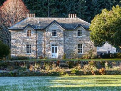 Dalvrecht Manse, Moray, Ballindalloch