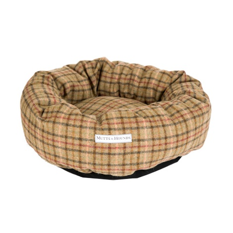 Balmoral Tweed Donut Bed 2
