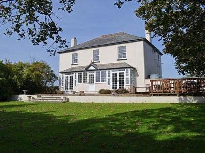 Trew House, Cornwall, Hersham