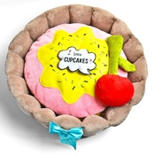 SR! Dog Accessories - Cupcake Dog Bed with Dog Toys